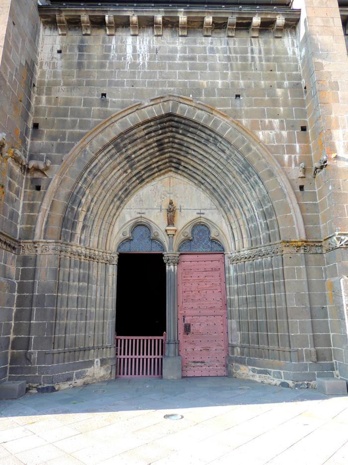Portail de l'église de Villedieu