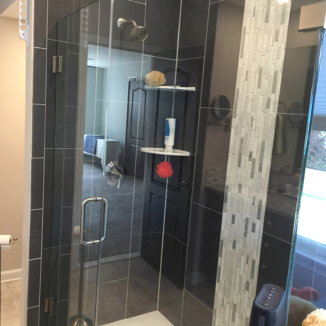 Frameless with Extra Clear Glass
