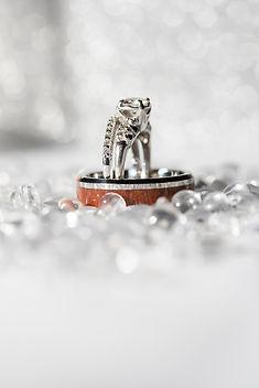close-up-diamond-expensive-1713367.jpg
