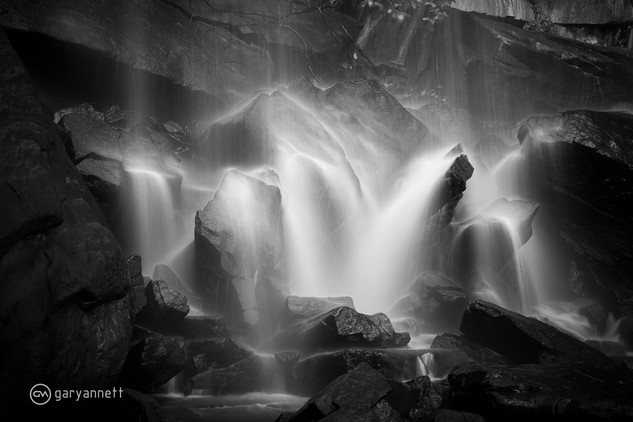 Waterfall-B&W-Kimberley-01