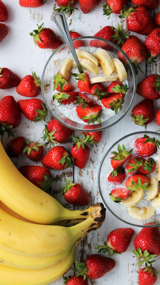 Chia puding s jagodama i bananama - Strawberry banana overnight chia pudding