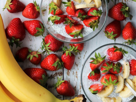 Chia puding s jagodama i bananama - Strawberry banana overnight chia pudding