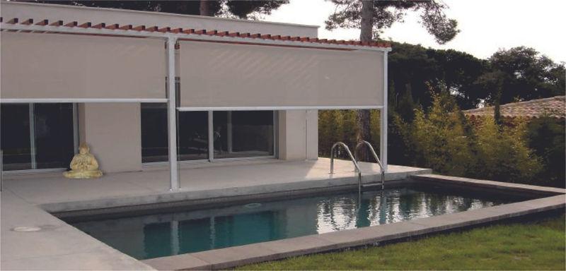 Sansa Pérgola IBIZA combina algo tan de ahora como el aluminio con algo tan natural como la madera. Una zona de sombreado tenue que nos deja apreciar lo azul que es el cielo.   Dispone de la posibilidad de incorporar iluminación integrada y calefacción. Máximo diseño nacional.