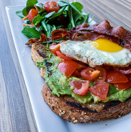 AVOCADO TOAST WITH EGG AND BACON
