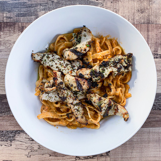 CREAMY ROASTED JALAPEÑO PASTA + CHICKEN