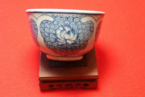Porcelaine Chinoise superbe bol à décor de fleurs de LOTUS dynastie Qing.