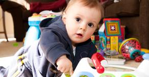 Czy elektroniczne zabawki mają wpływ na naukę mowy dziecka?