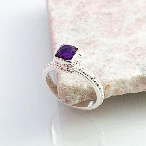 Ring Amethyst Beauty