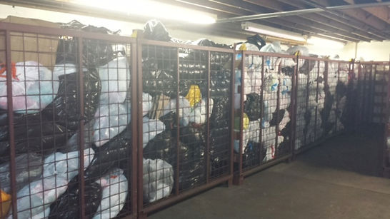 wholesale used clothing by the pound- bales shipped worldwide
