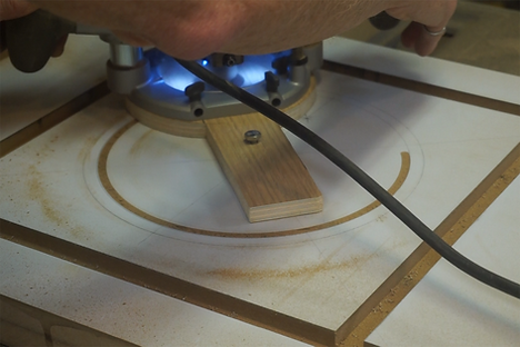 Using a router to cut the circle