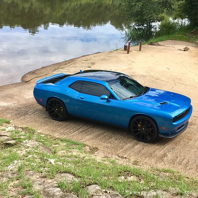 Liquid Metal Aqua Blue Challenger