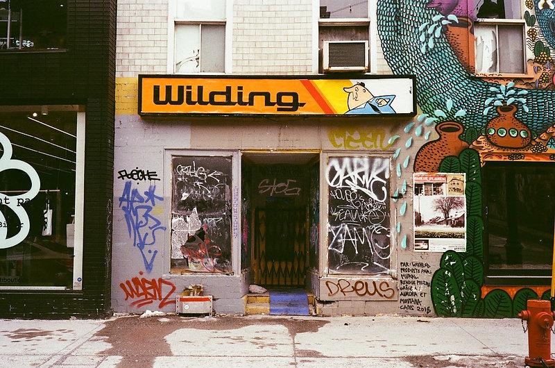 Benny Wilding signs.jpg