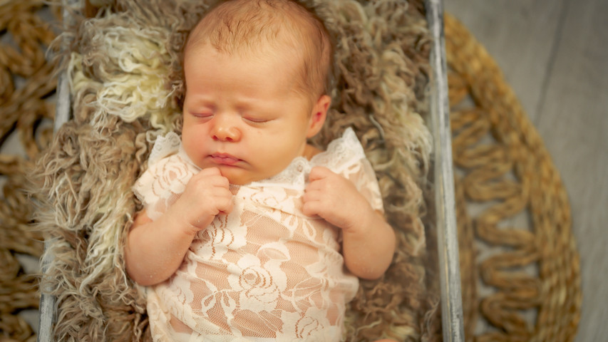 Newborn_Kelly (1 van 45).jpg