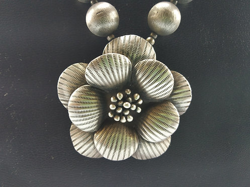 Vintage Silver Flower Necklace - Famous Fashion From 1980's