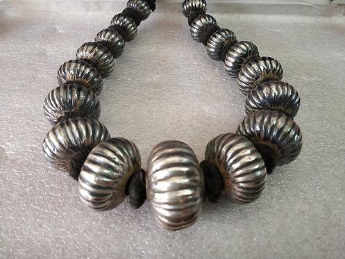 Muskmelon Shape Silver Bead Necklace