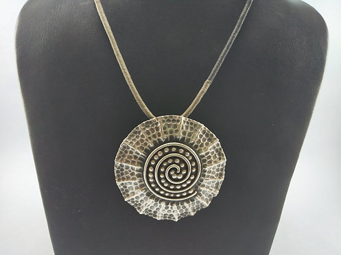 1970's Hammered Round Silver Pendent and Earring Set