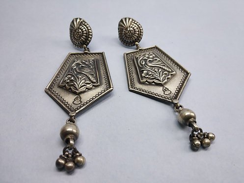 Tribal Geometrical Shaped Earrings - Push Back