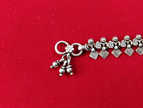 Traditional 800 Silver Yantra Shape Anklet