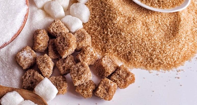 Le sucre roux fait-il moins grossir que le blanc ?