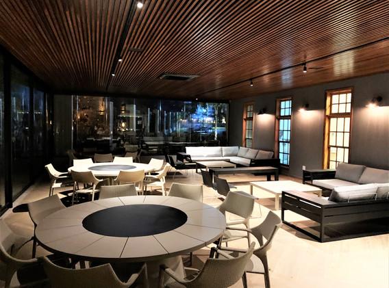 restaurante interior.jpg