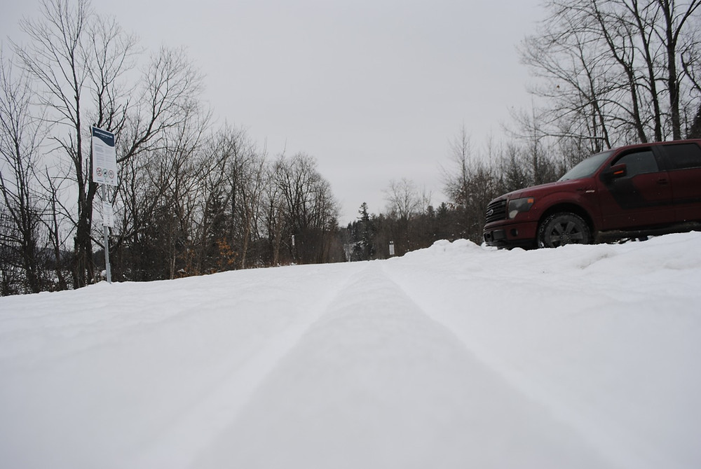 """Cross-country ski tracks along the trail near the intersection of the newly christened """"Voie Verte Chelsea"""" – formerly known as the community trail – and Chemin Kirk's Ferry in late-January. Low Down file photo"""