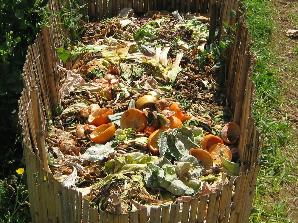 Most Gatineau Hills municipalities will collect compost from homes but Val-des-Monts has a home composting program. Wikimedia Commons image