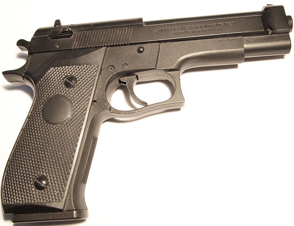 Police arrested and released a minor this weekend who allegedly brandished and threatened another youth at the Centre Wakefield La Pêche on Nov. 7 with a replica Beretta airsoft pistol similar to the one shown in this photo. Wikimedia Commons photo