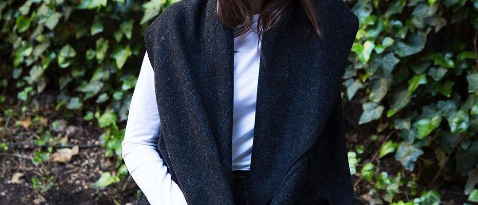 Circle Pocket Shawl Vest - Black