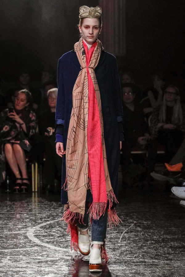 Womens-Scarves-and-Shawls-2014-2015-8-600x899.jpg