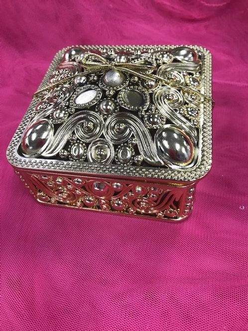 Gold Metal Look 4pc Fancy Box