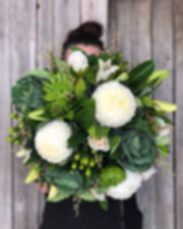 Green_white_bouquet.jpg