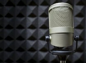 professional-microphone-radio-studio-260