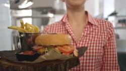 01_Burger_V02.00_00_33_22.Still011