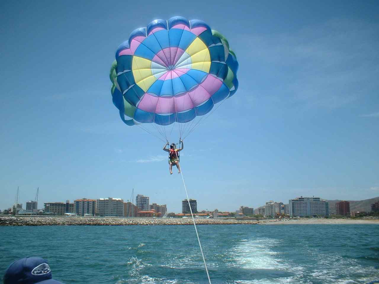 parasail en costa azul.jpg