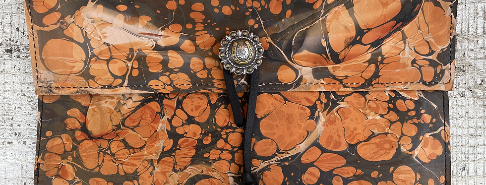 Marbled Leather Clutch Black/Rust