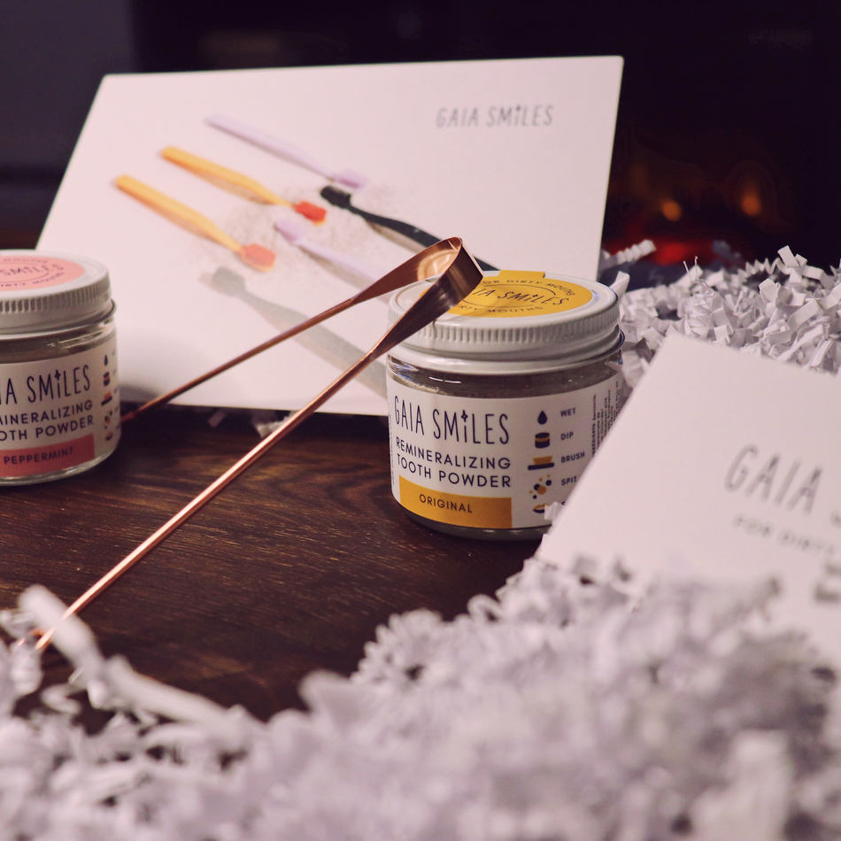 Gaia Smiles Remineralizing Tooth Powder