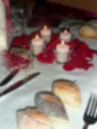 Table-mariage-bordeaux-ivoire-bougie