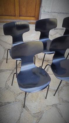 Série de 4 chaises enfants 3103 par Arne Jacobsen