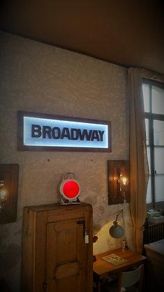 """Enseigne boutique """"Broadway"""" années 80"""