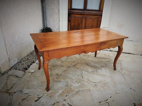 Table de chateau en merisier XIXème