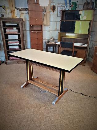 Grande table de bistrot en formica années 50