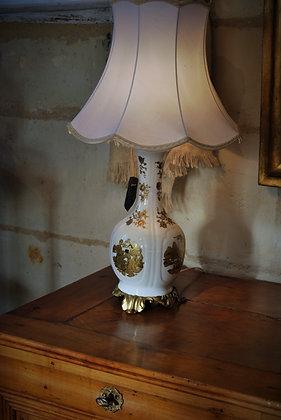 Lampe en porcelaine début XXème motif chinois