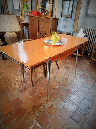 Table en formica orange marque Rotub années 50