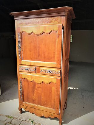 Cabinet vendéen en merisier XIXème