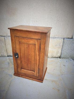 Petit meuble d'appoint ancien
