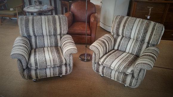 Paire de fauteuils design italien des années 70