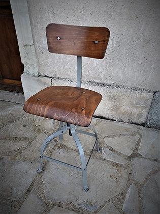 Chaise d'atelier biennaise vintage