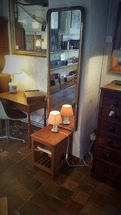Petit meuble ancien pour revues