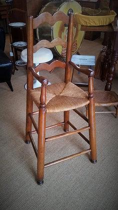 Chaise haute enfant en merisier milieu XIXème