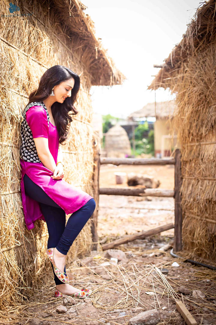 Sandeepa Dhar 10